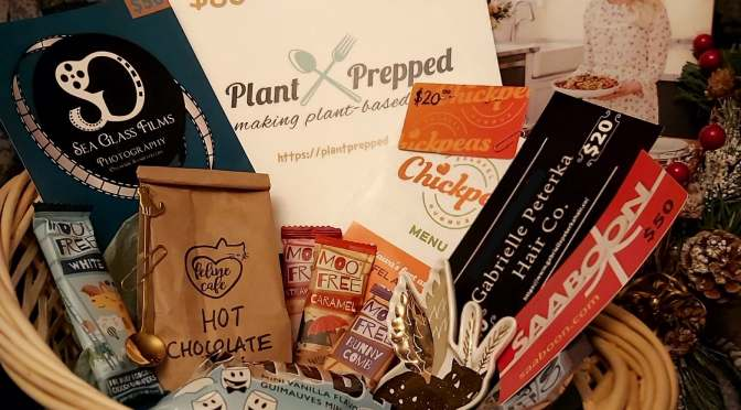End Of The Year EPIC HOLIDAY VEGAN PRIZE PACKS!!(week two)